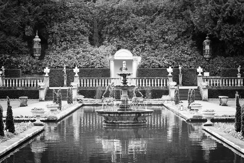 Italian Villa black and white image